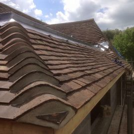 Tiled roof designed corners